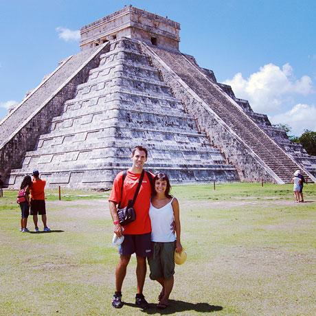Laura y Álvaro (Bablingua) in Chichen Itza, Mexico
